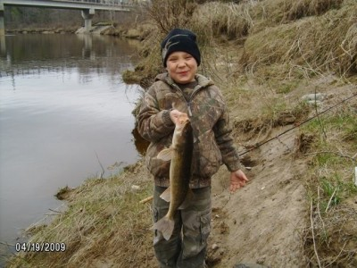 Photo of Deven's 4/19/09 Walleye